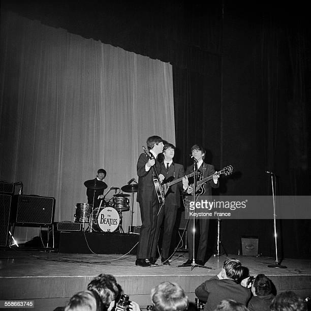 Les Beatles en concert à l'Olympia à Paris France le 17 janvier 1964