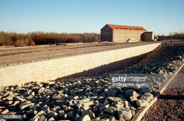le camp de prisonniers et de concentration de Buchenwald près de Weimar en ALLEMAGNE Ici le monument d'exhortation juif consacré en novembre 1993...