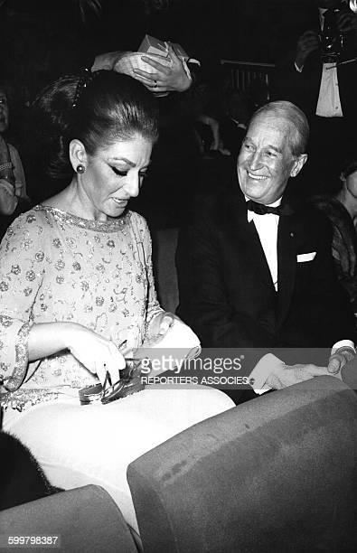 Les chanteurs Maria Callas et Maurice Chevalier