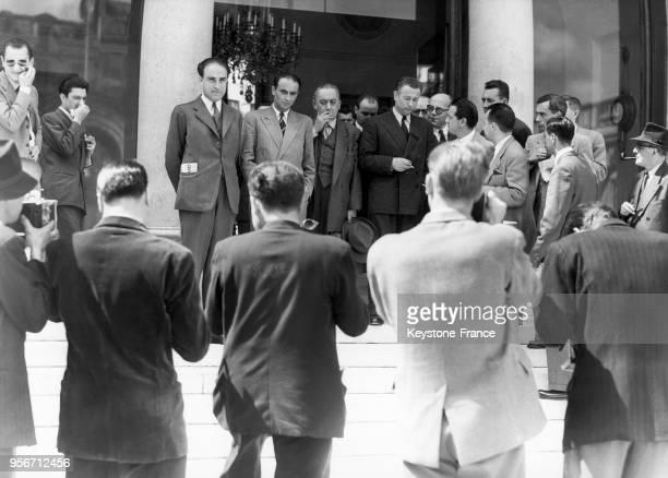 Les chefs de groupe parlementaires Antoine Avinin Pierre Chevallier Edouard Bonnefous et Lannet font une déclaration après avoir vu le président de...