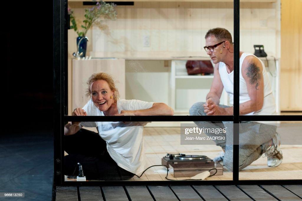 les comédiens néerlandais janni goslinga et hans kesting dans la