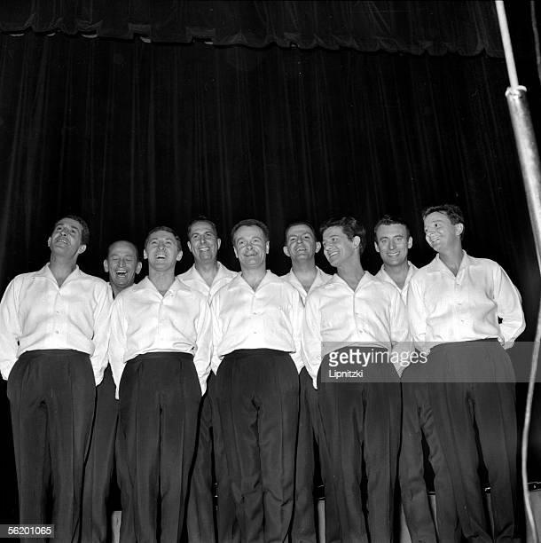 Les Compagnons de la chanson Paris Olympia march 1964