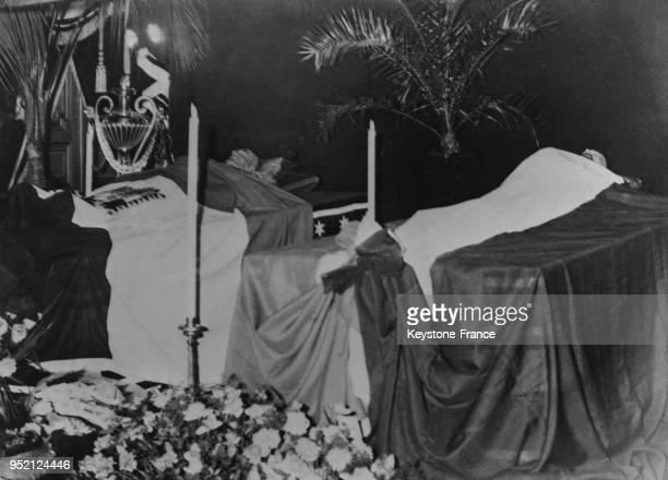 Les corps du roi Alexandre 1er de Yougoslavie et de Louis Barthou reposent côte à côte dans la chapelle ardente à la Préfecture de Marseille France...