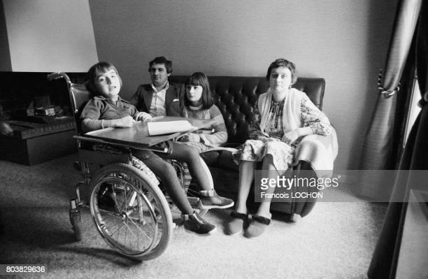 Les deux filles de la famille Henrique Perez victimes du talc Morhange le 22 octobre 1979 à CharlevilleMézières France