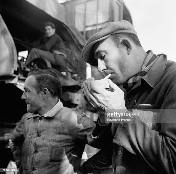Les dockers de Marseille France en 1956