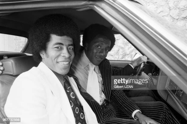 Les footballeurs brésiliens Jairzinho et Paulo César à Marseille le 18 octobre 1974, France.