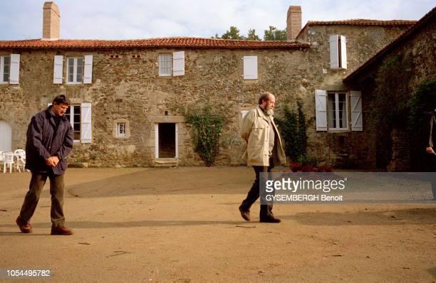 Les Herbiers Vendée 26 septembre 1993 Répondant présent à l'invitation de Philippe DE VILLIERS Alexandre SOLJENITSYNE est venu prononcer le discours...