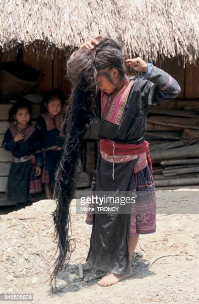 Les Hmong sont environ dix millions dont neuf millions en Chine le reste tant rparti entre le Vietnam le Laos la Thalande et la Birmanie Les Hmong...