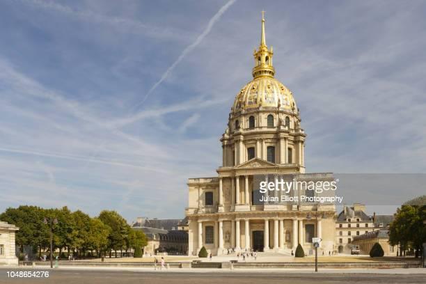 les invalides in paris, france. - カルチェデザンヴァリッド ストックフォトと画像