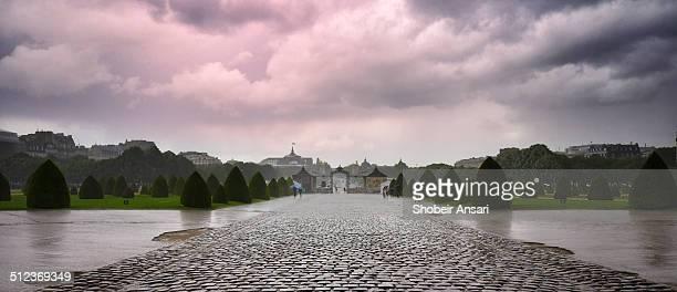 Les Invalides yard under rain, Paris