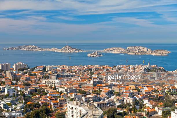 les îles off the coast of marseille - gwengoat stock pictures, royalty-free photos & images