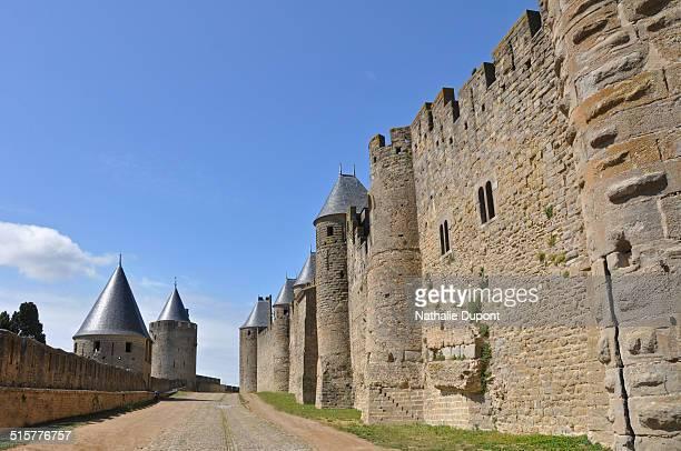 Les lices sont l'espace entre 2 remparts. Remparts de la cité médiévale de Carcassonne, région Languedoc-Roussillon, France. Patrimoine mondial de...