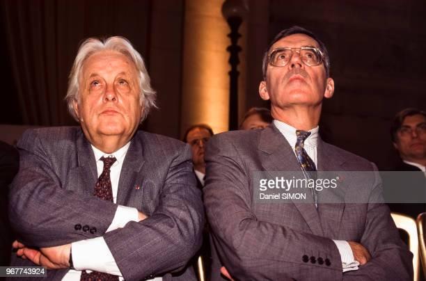 Les magistrats Pierre Truche et JeanFrançois Burgelin lors de la rentrée du barreau de Paris le 22 novembre 1996 France