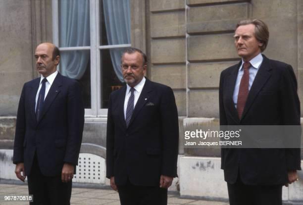 Les ministres de la défense allemand français et anglais Manfred Wörner Charles Hernu et Michael Heseltine à Paris le 21 septembre 1983