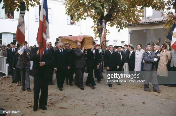Les obsèques de Robert Boulin, ministre du Travail et de la Participation, et député-maire de Libourne se dérouent dans ses terres girondines, en...