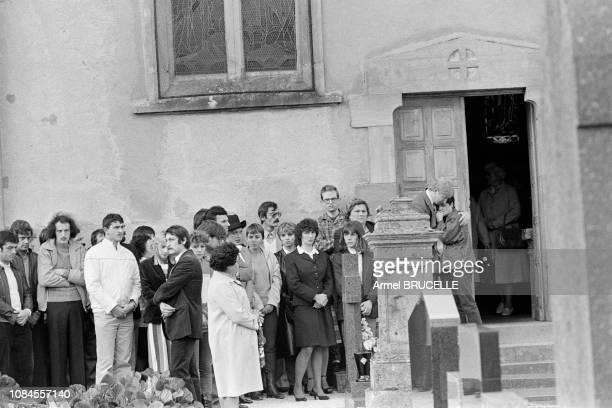Les obsèques du Petit Gregory à Lepanges sur Vologne dans les Vosges France le 19 octobre 1984