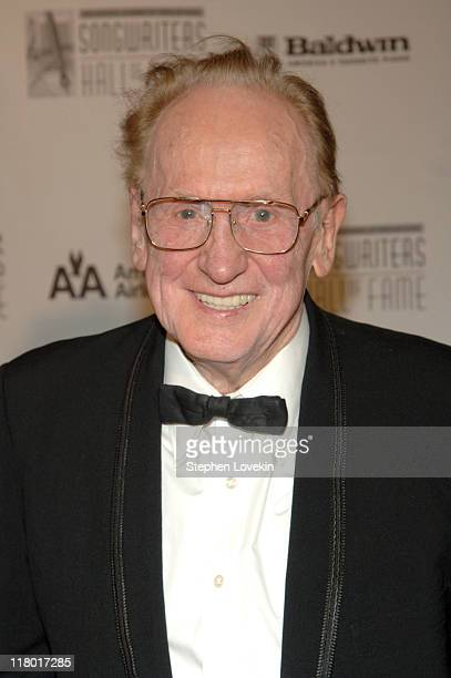 Les Paul during 36th Annual Songwriters Hall of Fame Induction Ceremony Arrivals at Marriott Marquis Hotel in New York City New York United States