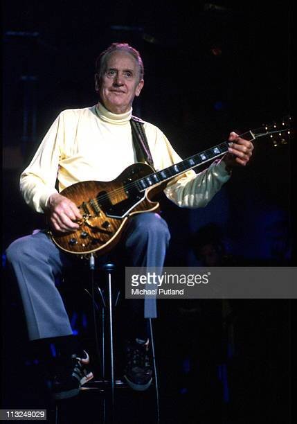 Les Paul performs on stage Seville Spain 1991