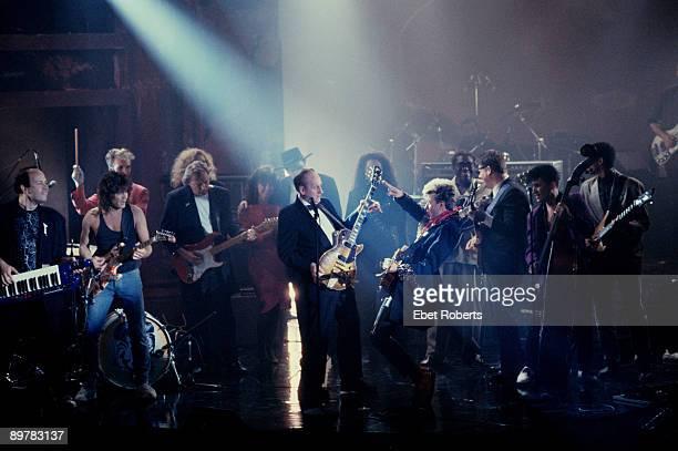 Les Paul Tribute Concert Jan Hammer, Eddie Van Halen,David Gilmour, Les Paul and Brian Setzer , Jessie Colter and Waylon Jennings , BB King, Steve...