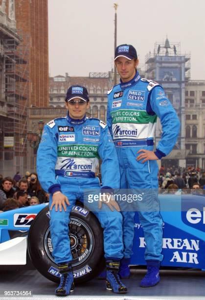 Les pilotes britannique Jenson Button et italien Giancarlo Fisichella présentent la nouvelle Benetton-Renault B201, le 06 février 2001 sur la place...