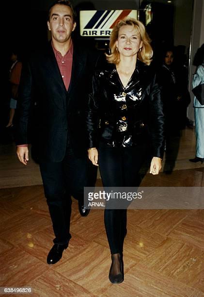 Les présentateurs à la première d'un spectacle le 21 septembre 1995 à Paris France