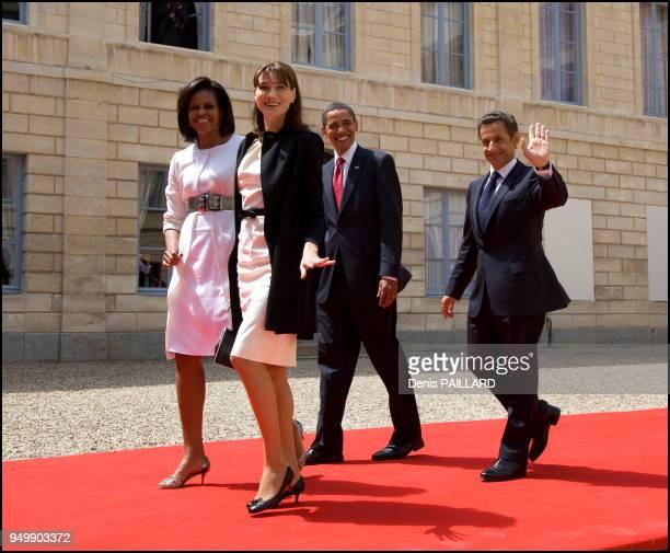 Les présidents Barack Obama et Nicolas Sarkozy accompagnés de leurs femmes respectives Carla Bruni Sarkozy et Michelle Obama à l'occasion des...
