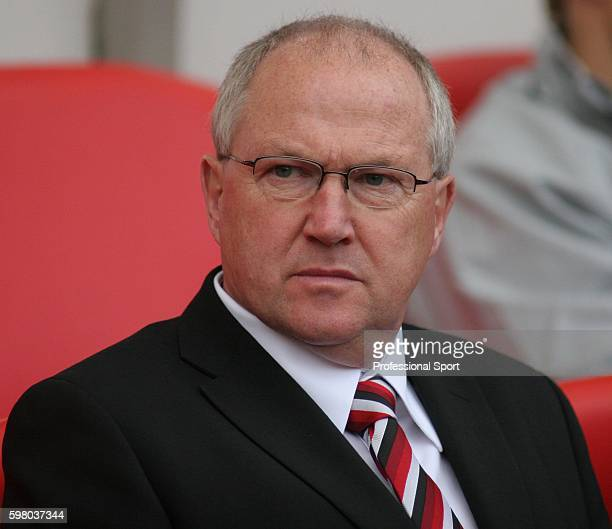 Les Reed of Fulham watching the Barclays Premier League match between Sunderland and Fulham at the Stadium of Light on October 27 2007 in Sunderland...