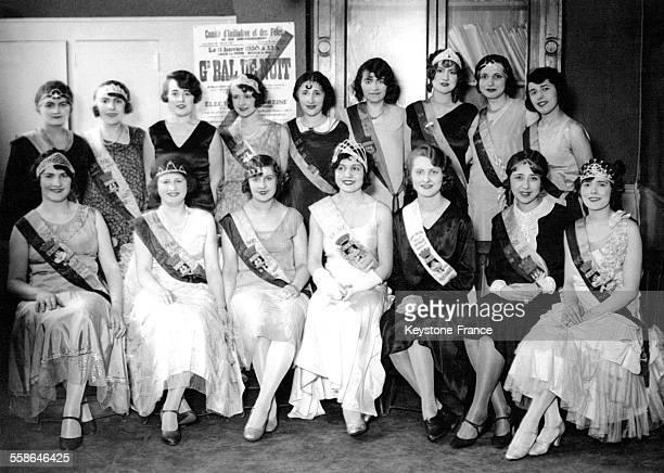 Les reines de tous les arrondissements de la capitale réunies au Comité des Fêtes de Paris France le 26 mars 1930