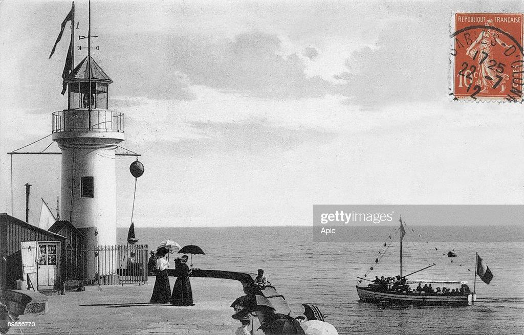 Les Sables d'Olonne (France) with the lighthouse, postcard c. 1912 : News Photo