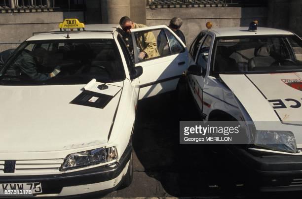 Les vehicules impliques dans la fusillade de Vincennes au 36 Quai des Orfevres le 5 octobre 1994 a Paris France