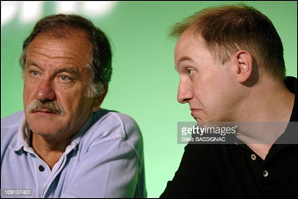 Les Verts Summer Conference On August 27Th 2002 In Saint Jean De Monts France Left To Right Noel Mamere And Denis Baupin