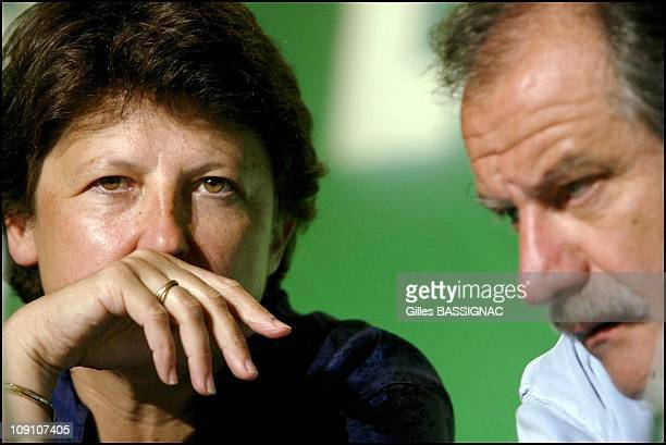 Les Verts Summer Conference On August 27Th 2002 In Saint Jean De Monts France Martine Aubry Guest Of Dominique Voynet And Noel Mamere At The Summer...