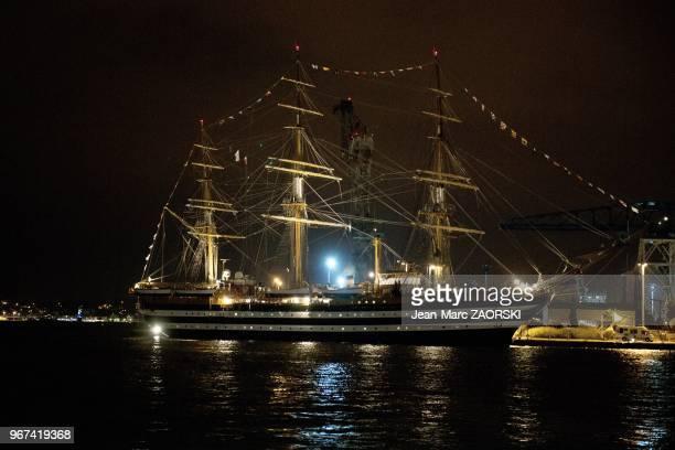 Les Voiles de Legende 2013 avec sur cette image le prestigieux troismats carre battant pavillon italien l'Amerigo Vespucci fleuron de la flotte...