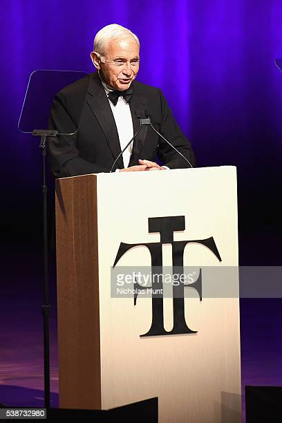 Les Wexner speaks onstage at the 2016 Fragrance Foundation Awards presented by Hearst Magazines Show on June 7 2016 in New York City