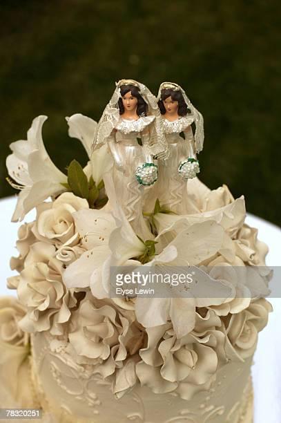 Lesbian wedding cake figurines
