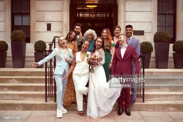 lesbian wedding with friends - disruptaging foto e immagini stock