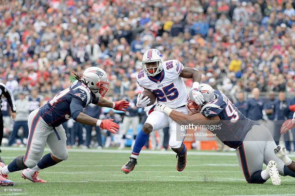 LeSean McCoy #25 of the Buffalo Bills runs the ball in the first quarter against the New England Patriots at Gillette Stadium on October 2, 2016 in Foxboro, Massachusetts.