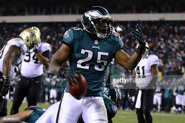 LeSean McCoy of the Philadelphia Eagles celebrates after scoring a 1 yard touchdown in the third quarter against the New Orleans Saints during their...