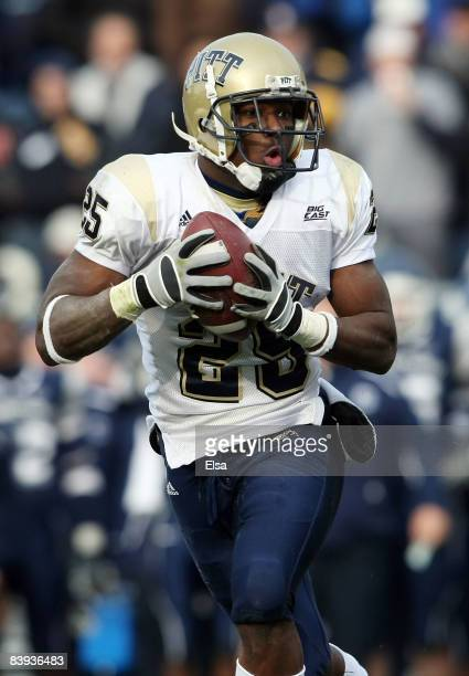 LeSean McCoy of the Pittsburgh Panthers catches the ball in the first half against the Connecticut Huskies on December 6 2008 at Rentschler Field in...