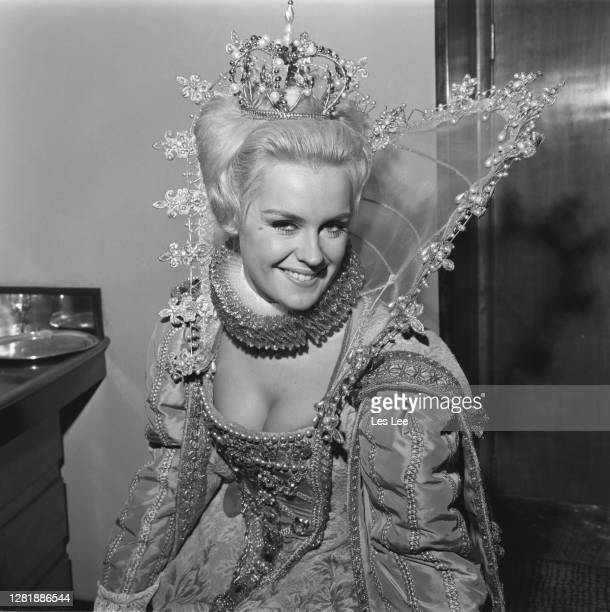 Lesley Langley dressed in Elizabethan fashions for a costumed event during the Miss World 1965 beauty contest, London, UK, 15th November 1965. She...