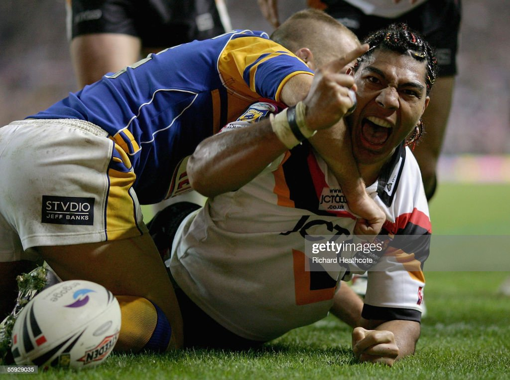 Lesley Vainikolo of Bradford celebrates after scoring a try during the Engage Super league Grand Final between Leeds Rhinos and Bradford Bulls at Old Trafford on October 15, 2005 in Manchester, England.