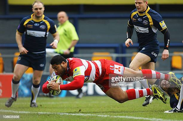 Lesley Vainikolo of Gloucester scores a try during the LV Anglo Welsh Cup match between Leeds Carnegie and Gloucester at Headingley Carnegie Stadium...