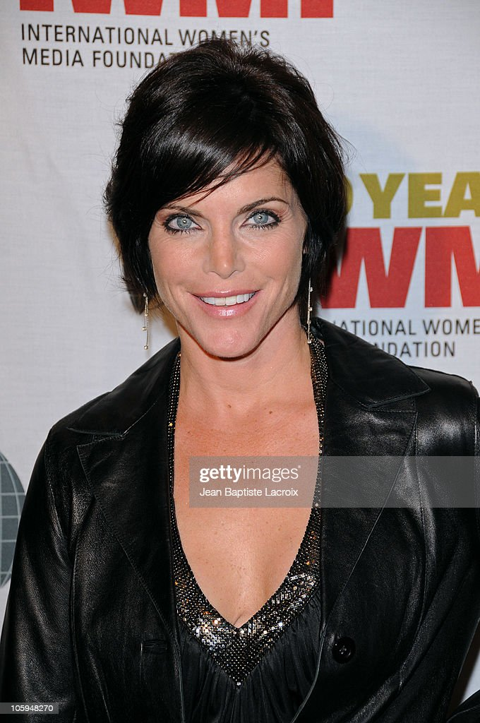 Lesli Kay arrives at The International Women's Media Foundation's 'Courage In Journalism' awards held at Beverly Hills Hotel on October 21, 2010 in Beverly Hills, California.