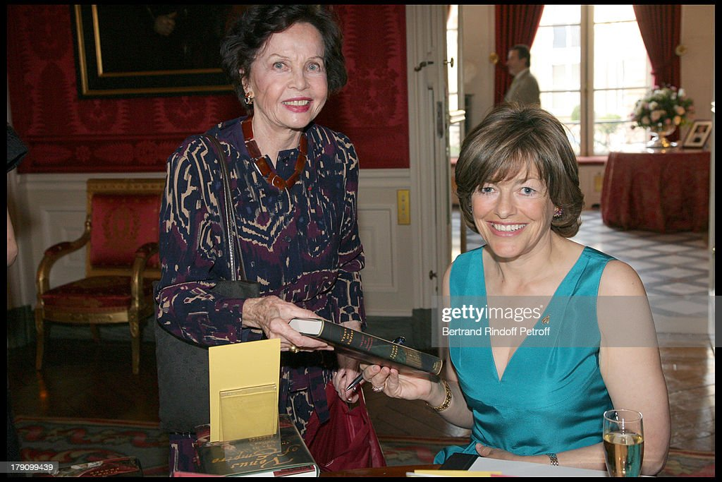 """Book Launch Party For """"Venus Of Empire: The Life of Pauline Bonaparte"""" by Flora Fraser : News Photo"""