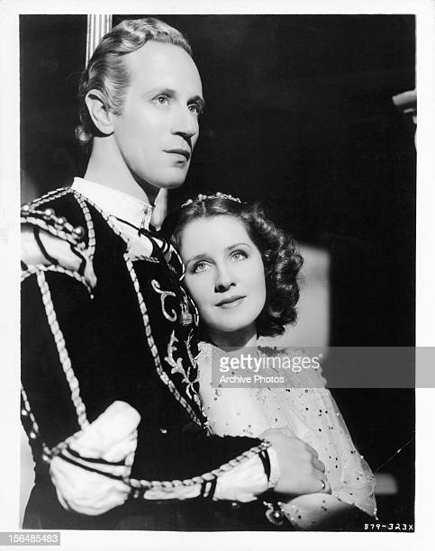Leslie Howard and Norma Shearer in publicity portrait for the film 'Romeo And Juliet' 1936