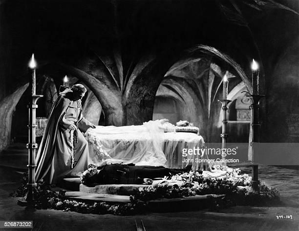 Leslie Howard Norma Shearer and Henry Kolker in the ending death scene of the 1936 film version of Romeo and Juliet Shearer earned an Academy Award...