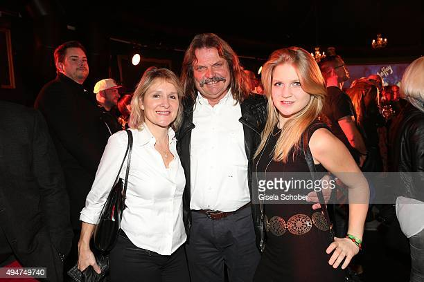 Leslie Mandoki and his wife Eva and his daughter Julia during the 'Tabaluga - Es lebe die Freundschaft' record release at Das Schloss on October 28,...