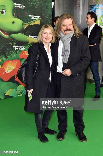 Leslie Mandoki and his wife Eva Mandoki attend the premiere of 'Tabaluga - Der Film' at Mathaeser Filmpalast on November 25, 2018 in Munich, Germany.