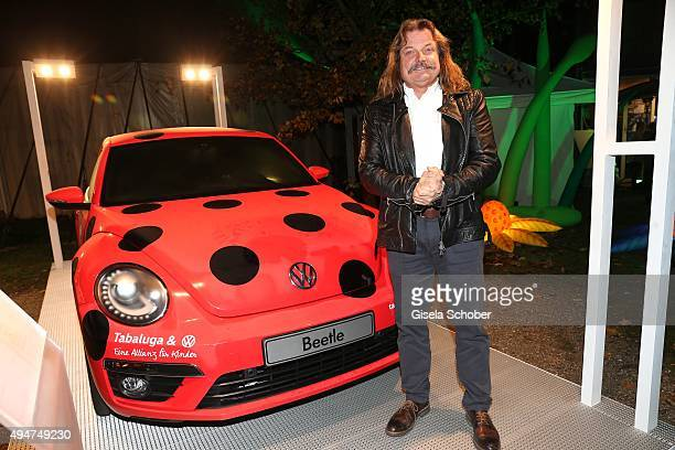 Leslie Mandoki next to a VW beetle car during the 'Tabaluga Es lebe die Freundschaft' record release at Das Schloss on October 28 2015 in Munich...
