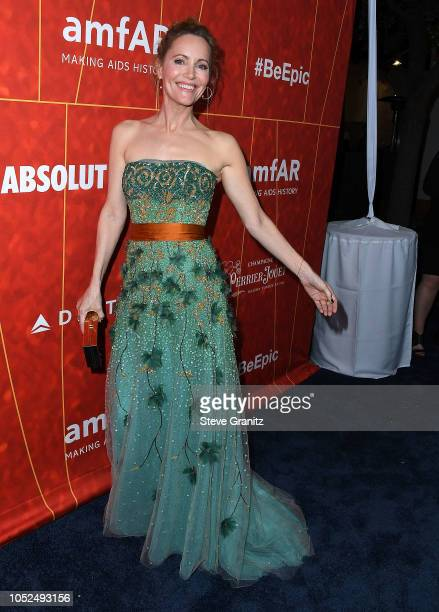 Leslie Mann arrives at the amfAR Gala Los Angeles 2018 at Wallis Annenberg Center for the Performing Arts on October 18 2018 in Beverly Hills...